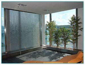 آبنمای شیشهای دیواری